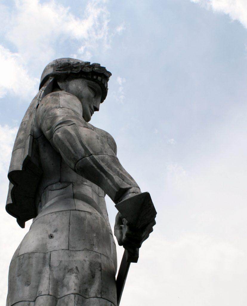 monumentalny pomnik Matki Gruzji