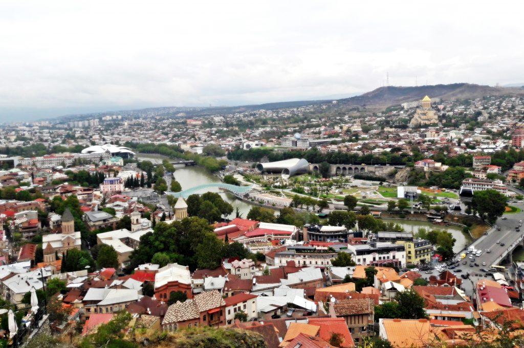 Widok na Stare Miasto w Tbilisi