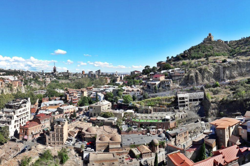 widok na Tbilisi - ruiny Narikala